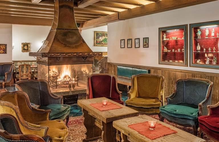 Traditionelle Hotelbar