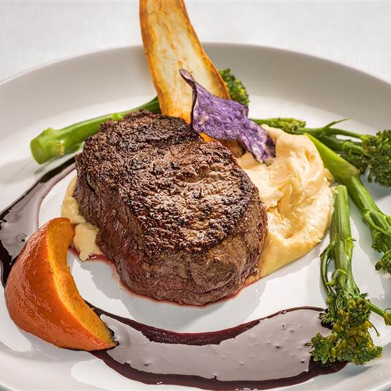 Filet steak with puree
