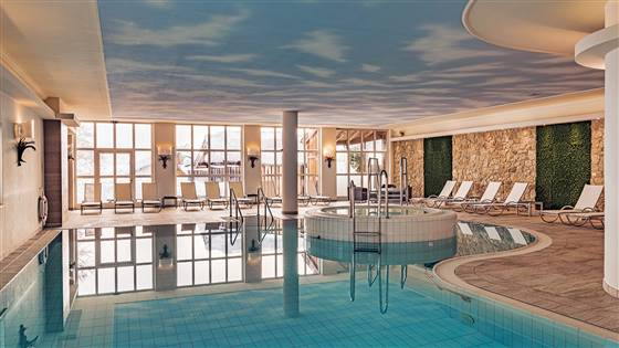 Indoor swimming pool Indoor photo